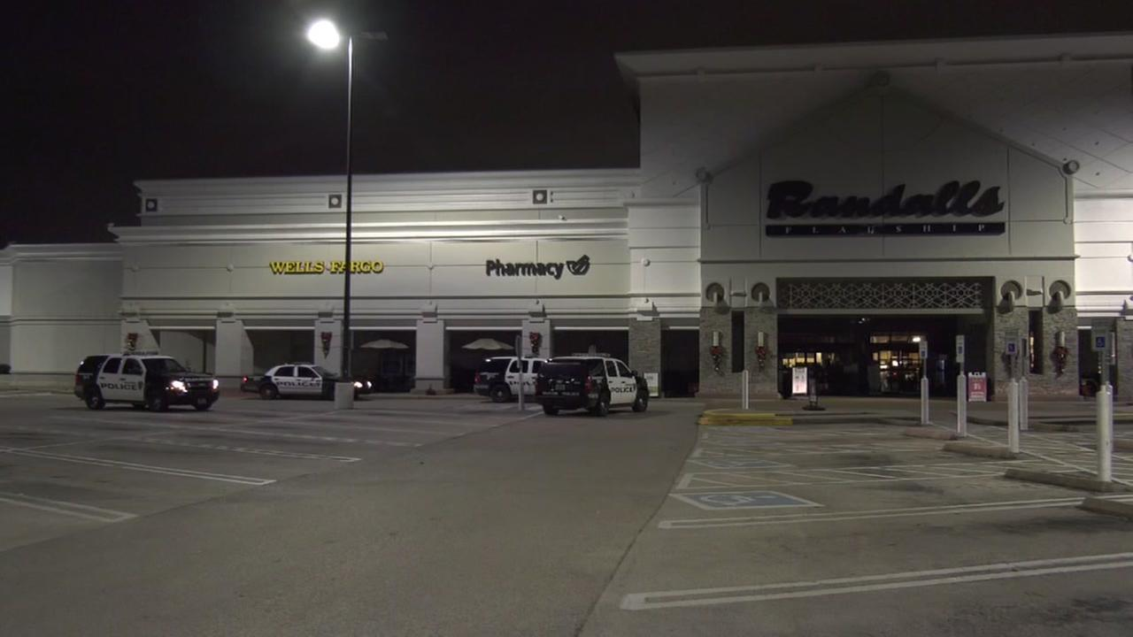 Burglars get away with drugs, cigarettes at SW Houston Randalls