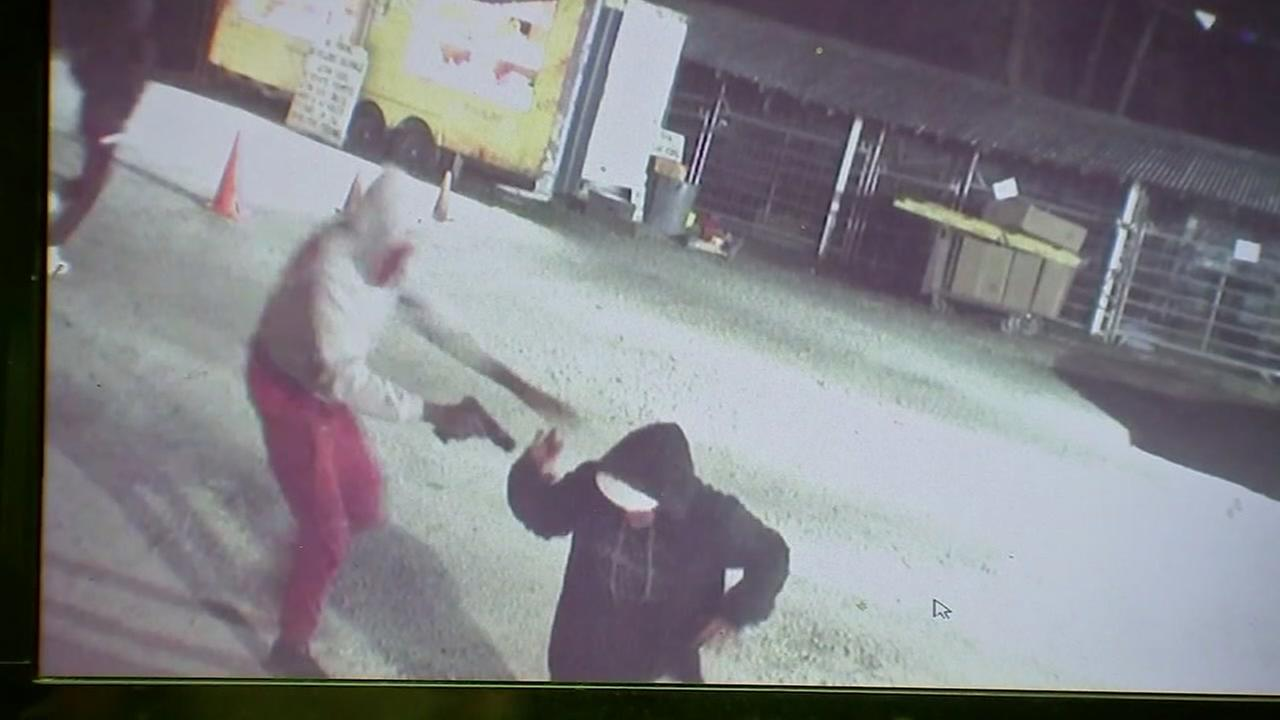 Armed robbers terrorize firework stand employees on Christmas Eve
