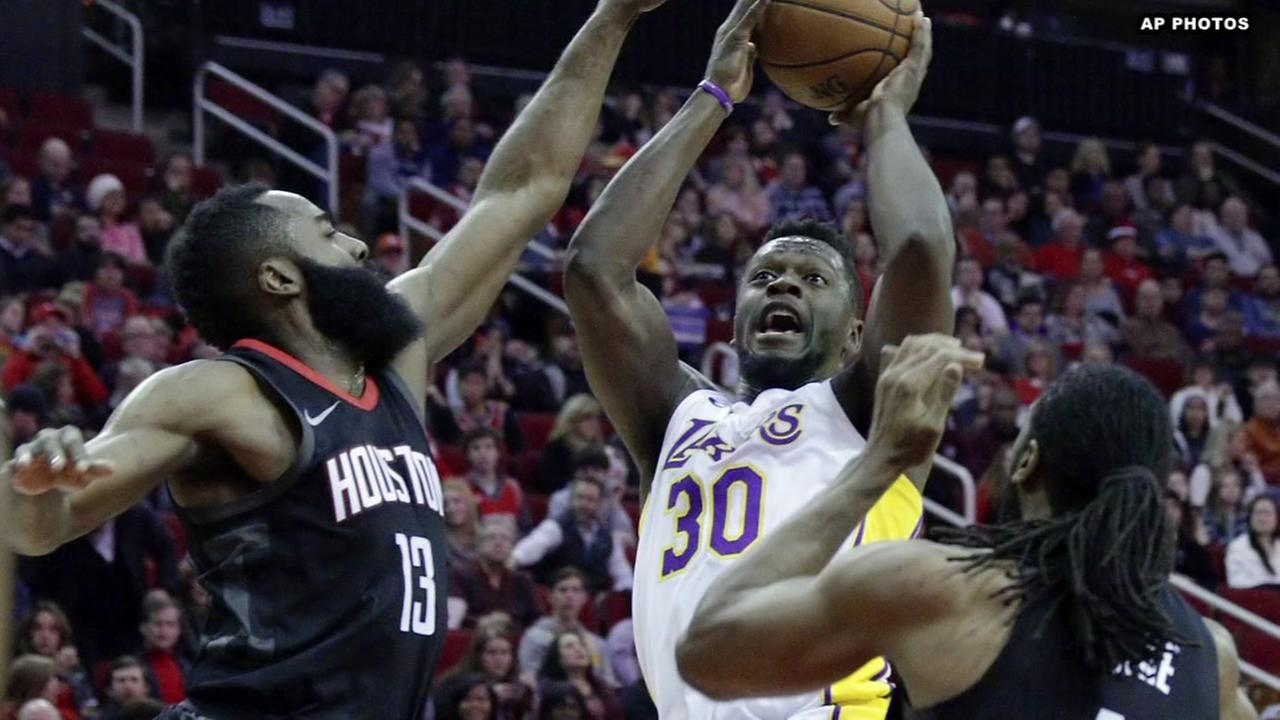 Paul helps Rockets to 148-142 win over Lakers in double OT