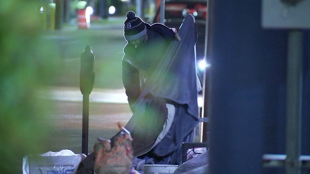2 dead as freezing temperatures grip Houston