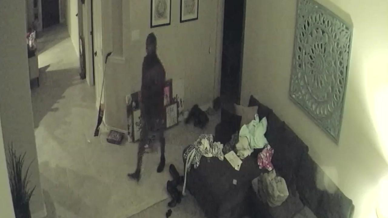 Burglar breaks into Spring home