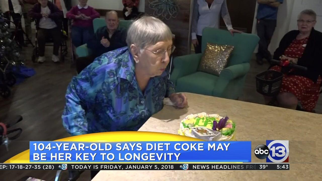 104-year-old says diet coke may be her key to longevity
