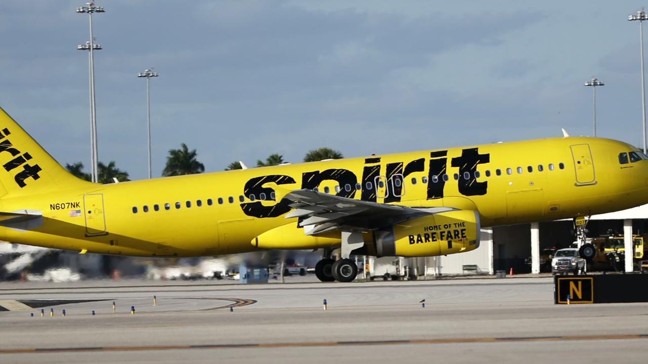 Man kicked off flight, accused of urinating on bathroom floor of plane