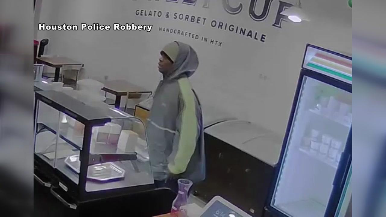 Man accused of robbing Montrose business