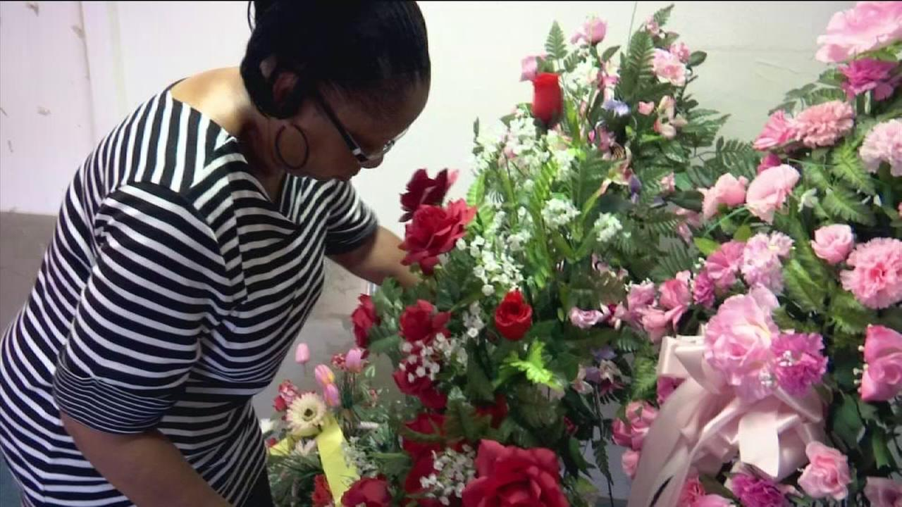 Florist forced out of business by thieves