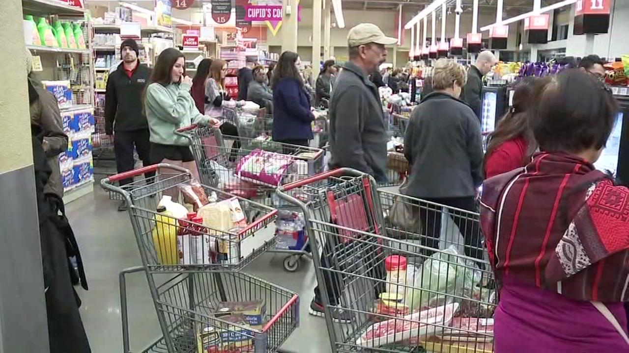 Shoppers swarm grocery store