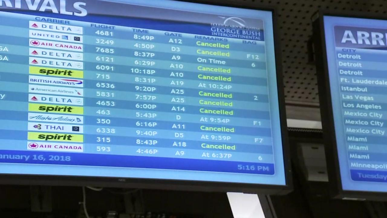 IAH cancels nearly two-thirds of flights due to icy conditions