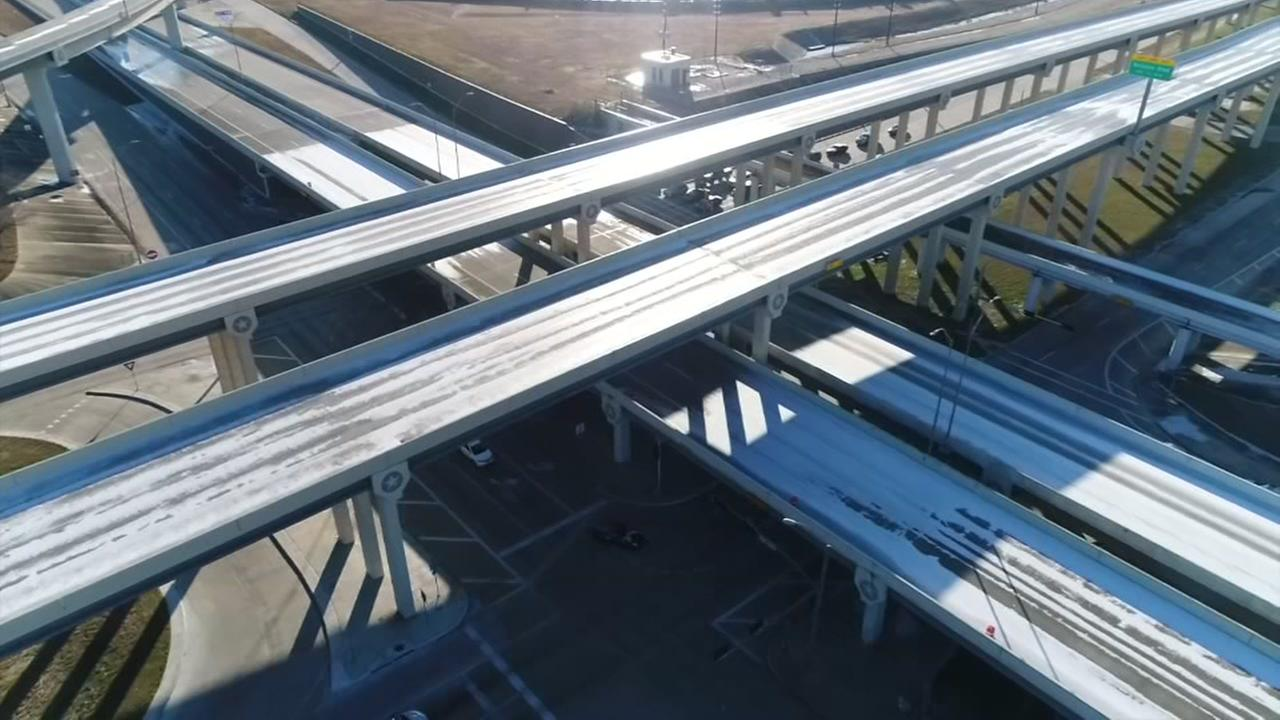 Skydrone13 video of icy freeways, 99 at Westpark tollway