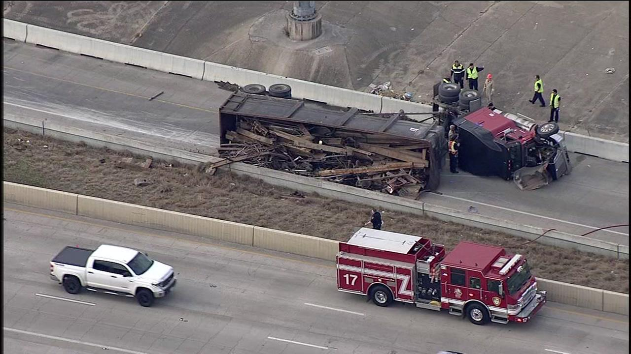18-wheeler falls from US-59 onto I-10 East
