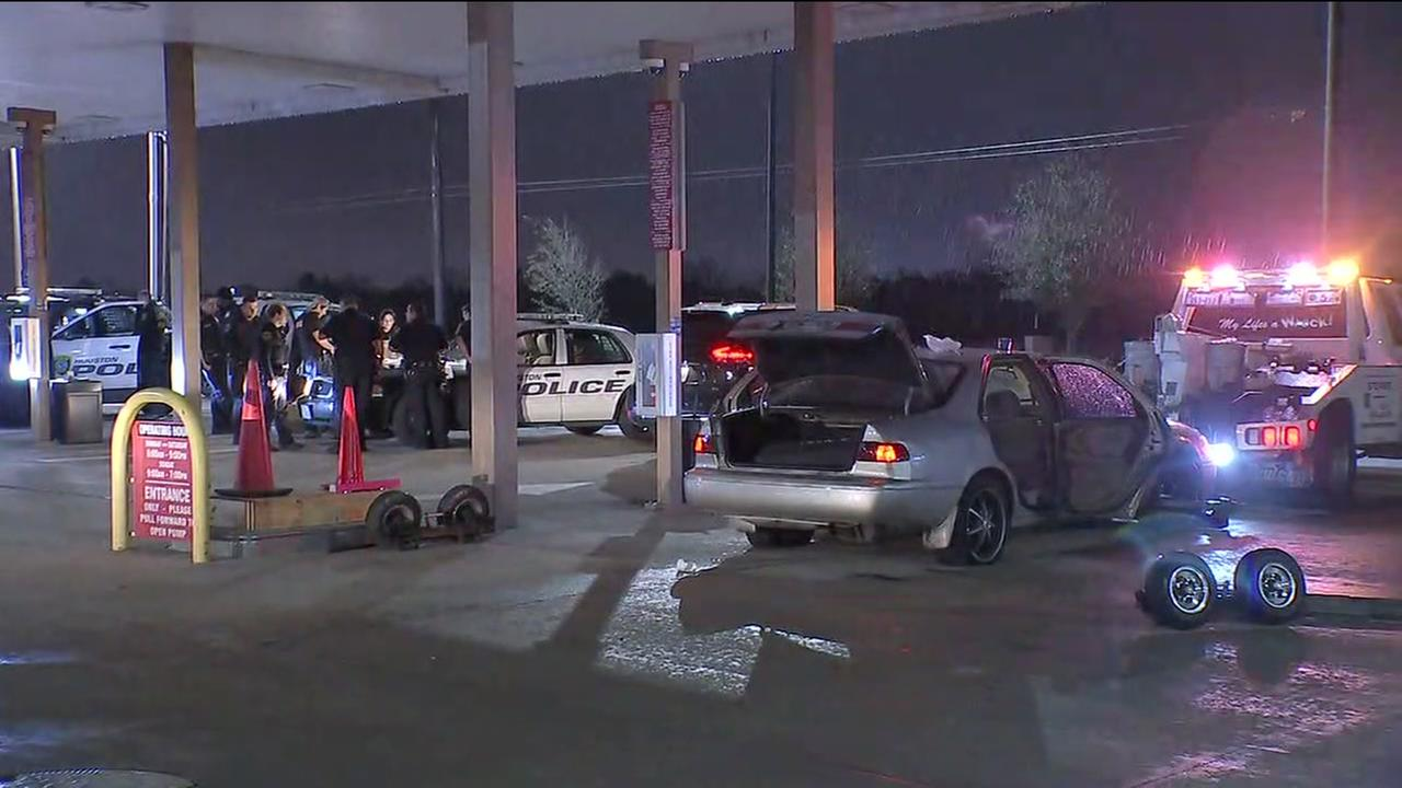 Police arrest 4 people after leading officers on a chase