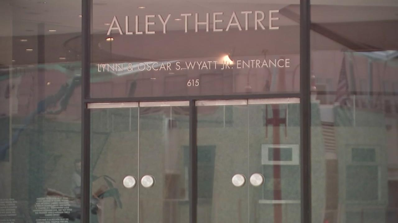 Alley Theatre issues apology