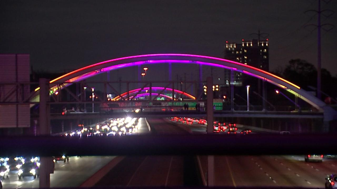Montrose bridge lights return with support from leaders and community