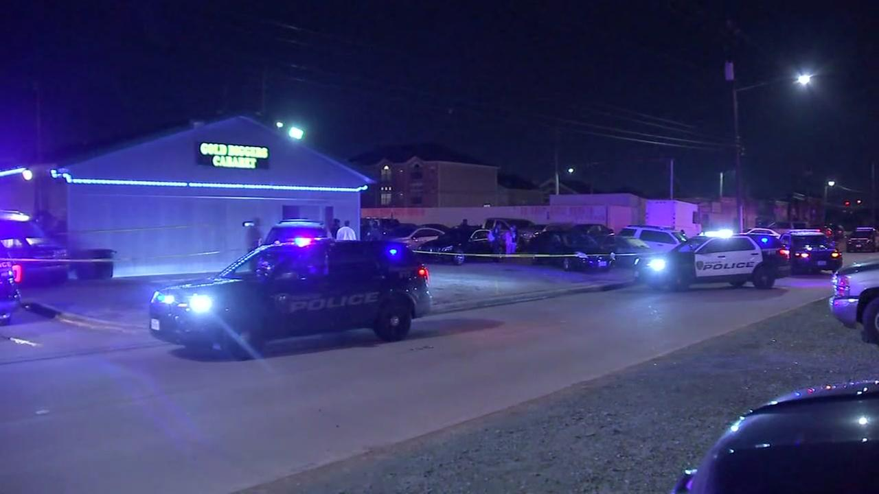 Man and woman shot in parking lot of strip club