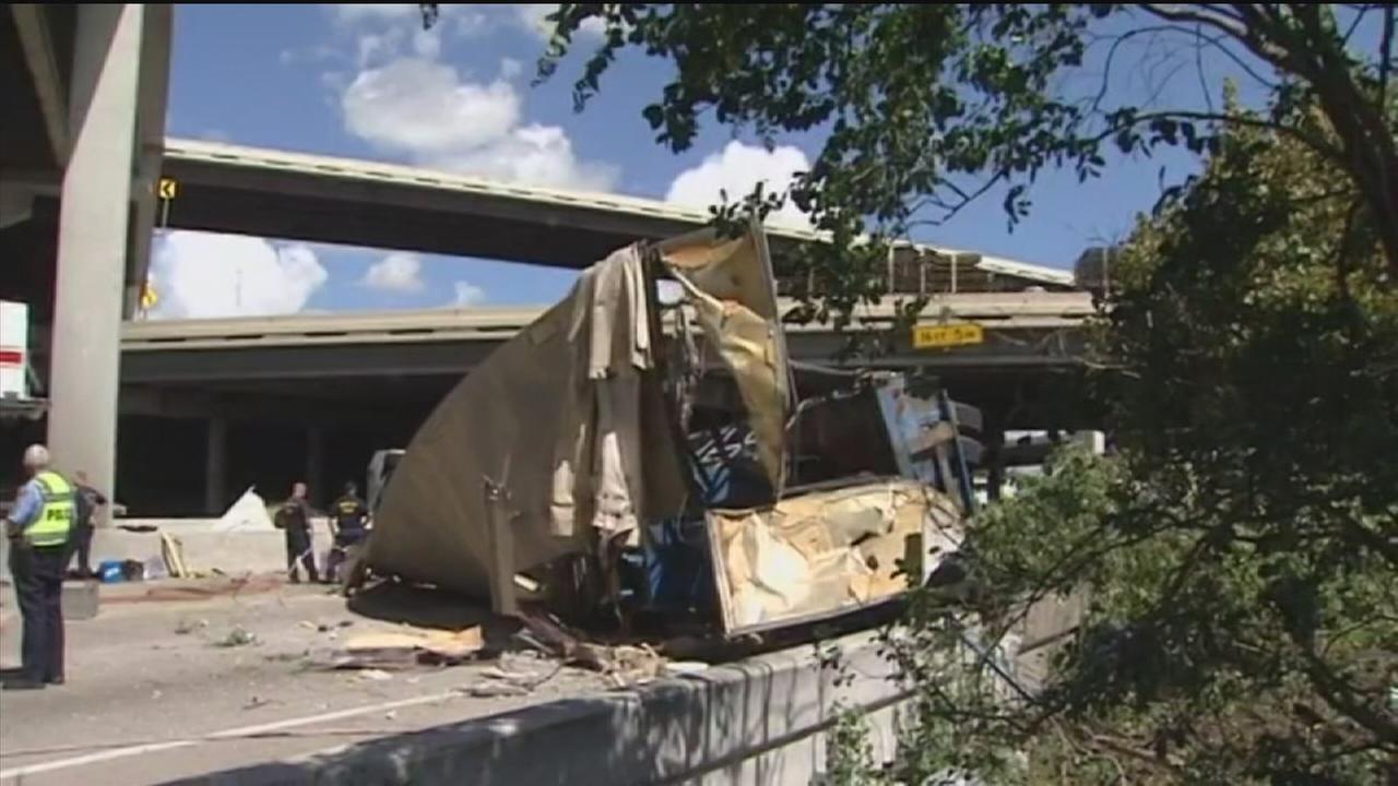 Big rig falls on freeway