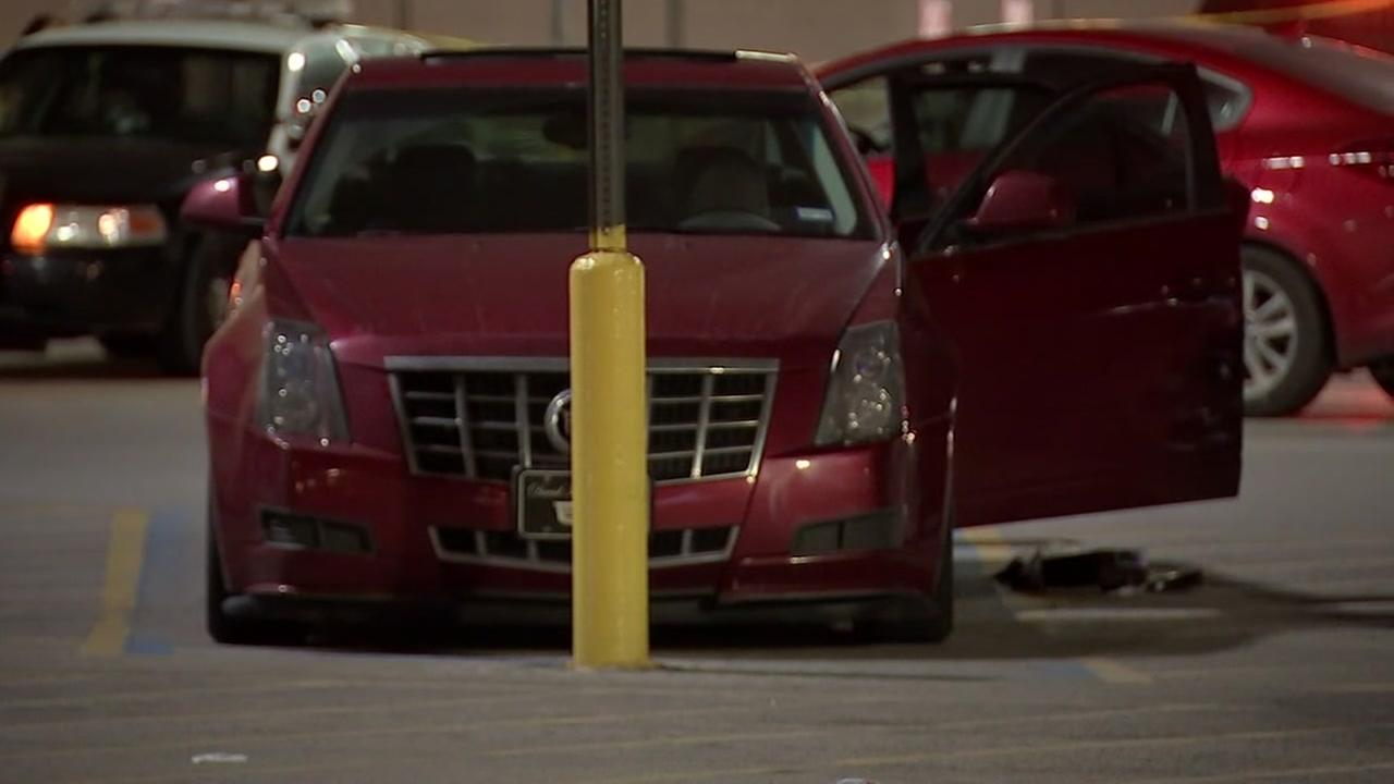 Man fatally shot in car in SE Houston Walmart parking lot