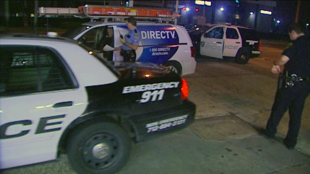 DirecTV employee robbed, shot