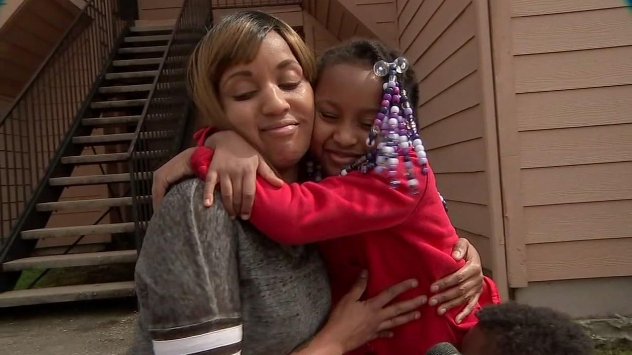 Child helps her family escape burning apartment in NW Harris Co.