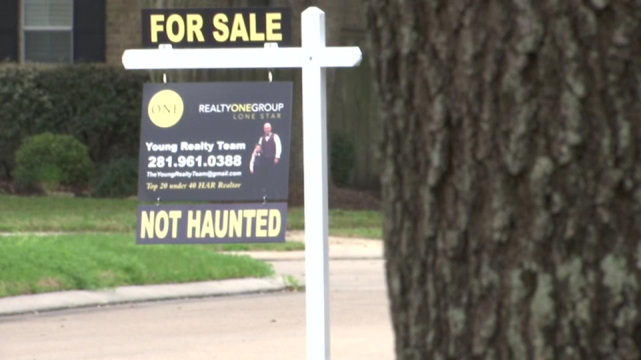 NOT HAUNTED: Neighbors at odds over Realtors creative signage in Manvel