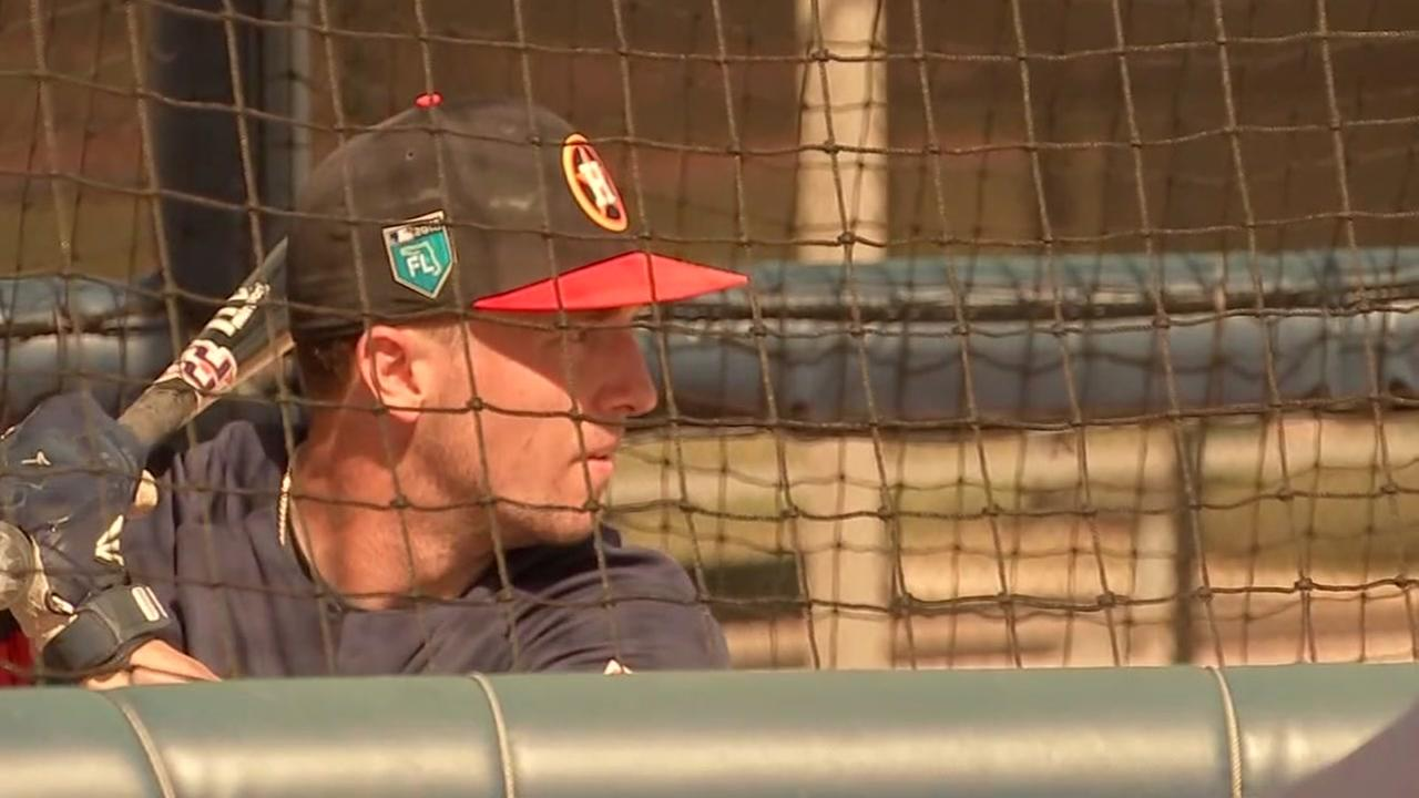 Big kid Astros offer advice to Little Leaguers