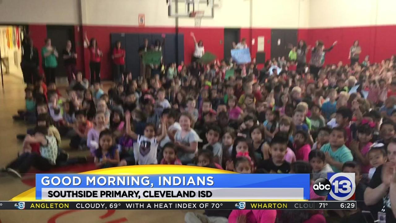 Meteorologist Travis Herzog visits the Southside Primary Indians in Cleveland