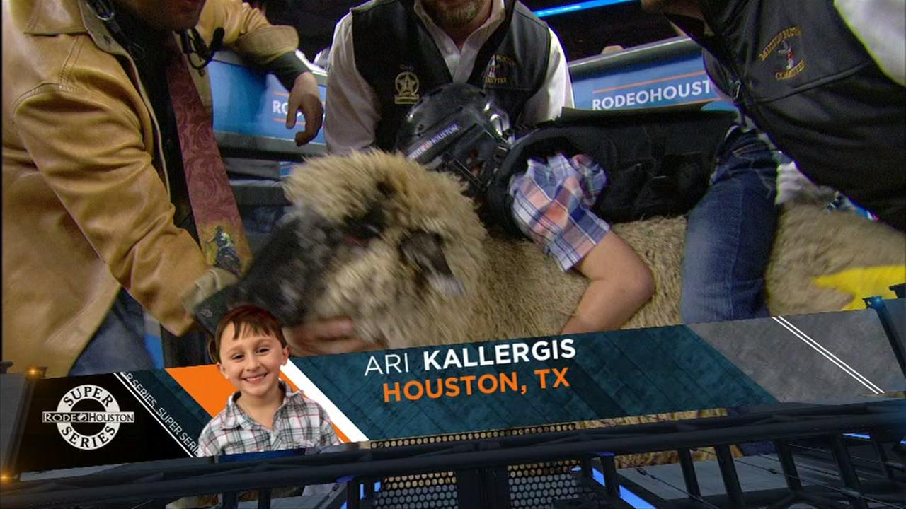 Foti Kallergis son Ari competes in 2018 Mutton Bustin