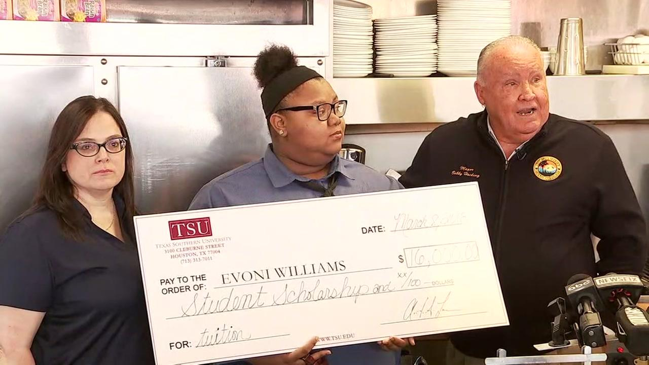 Evoni Williams, a waitress at the La Marque Waffle House, gets a scholarship from TSU after her act of kindness