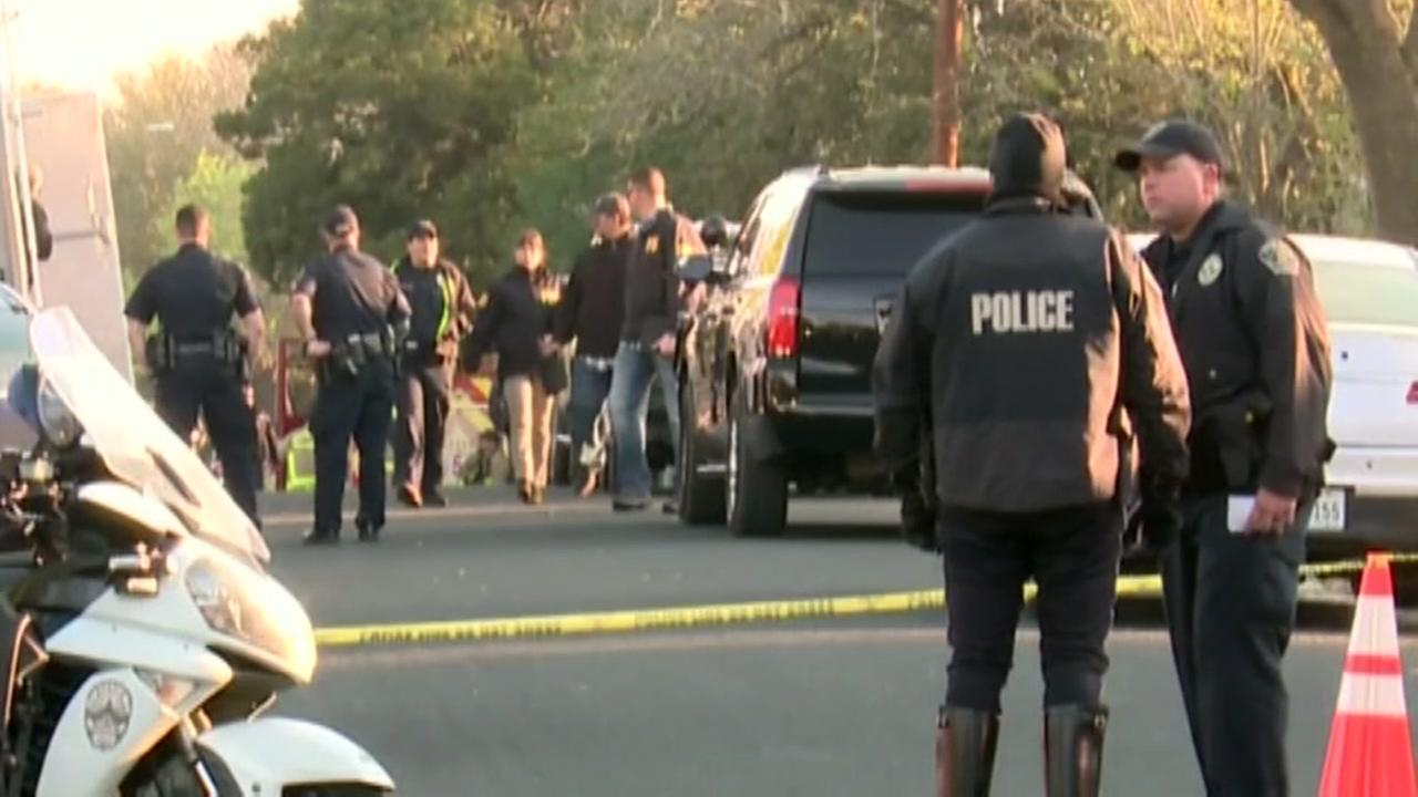Teen killed, 2 women injured by package bombs in Austin