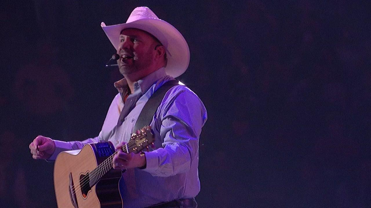Garth Brooks sets new RodeoHouston record