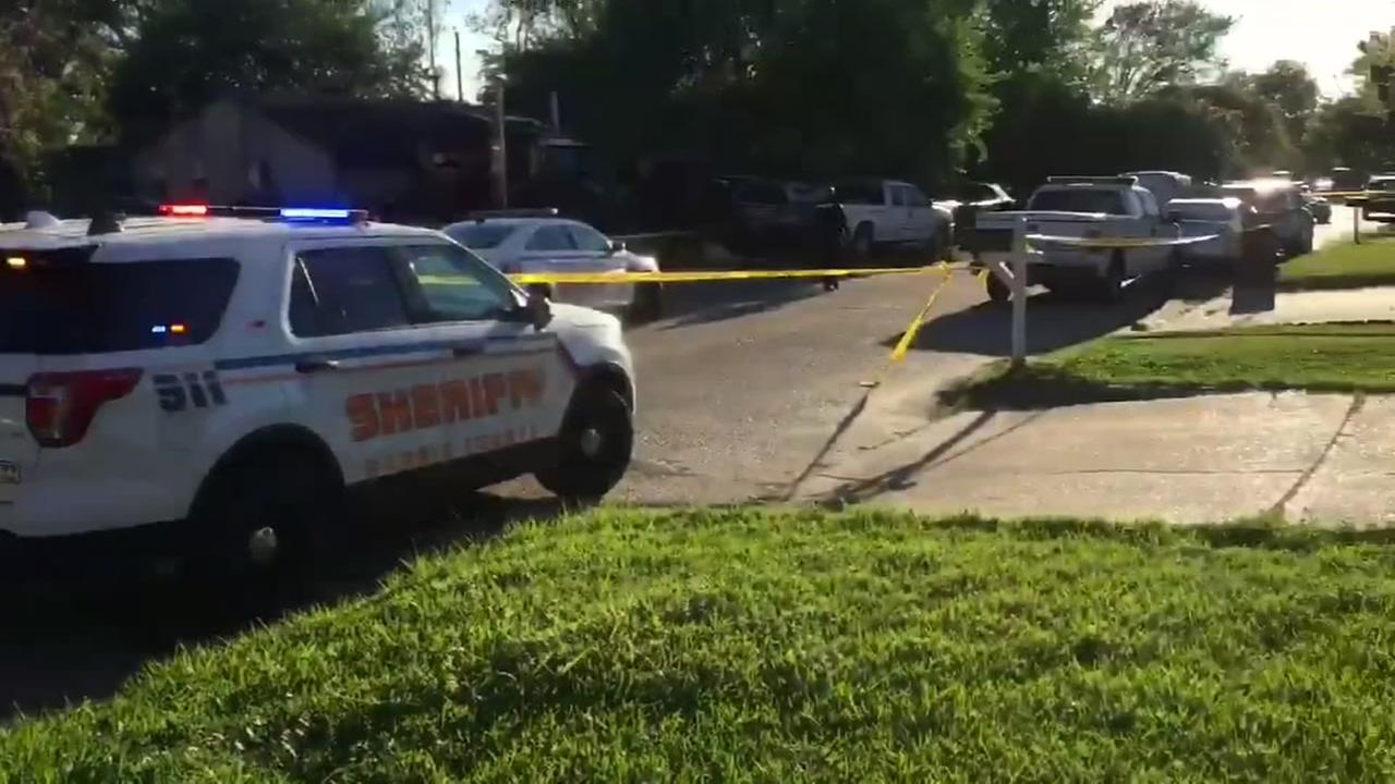 Harris Co. investigating domestic shooting that left 1 person dead