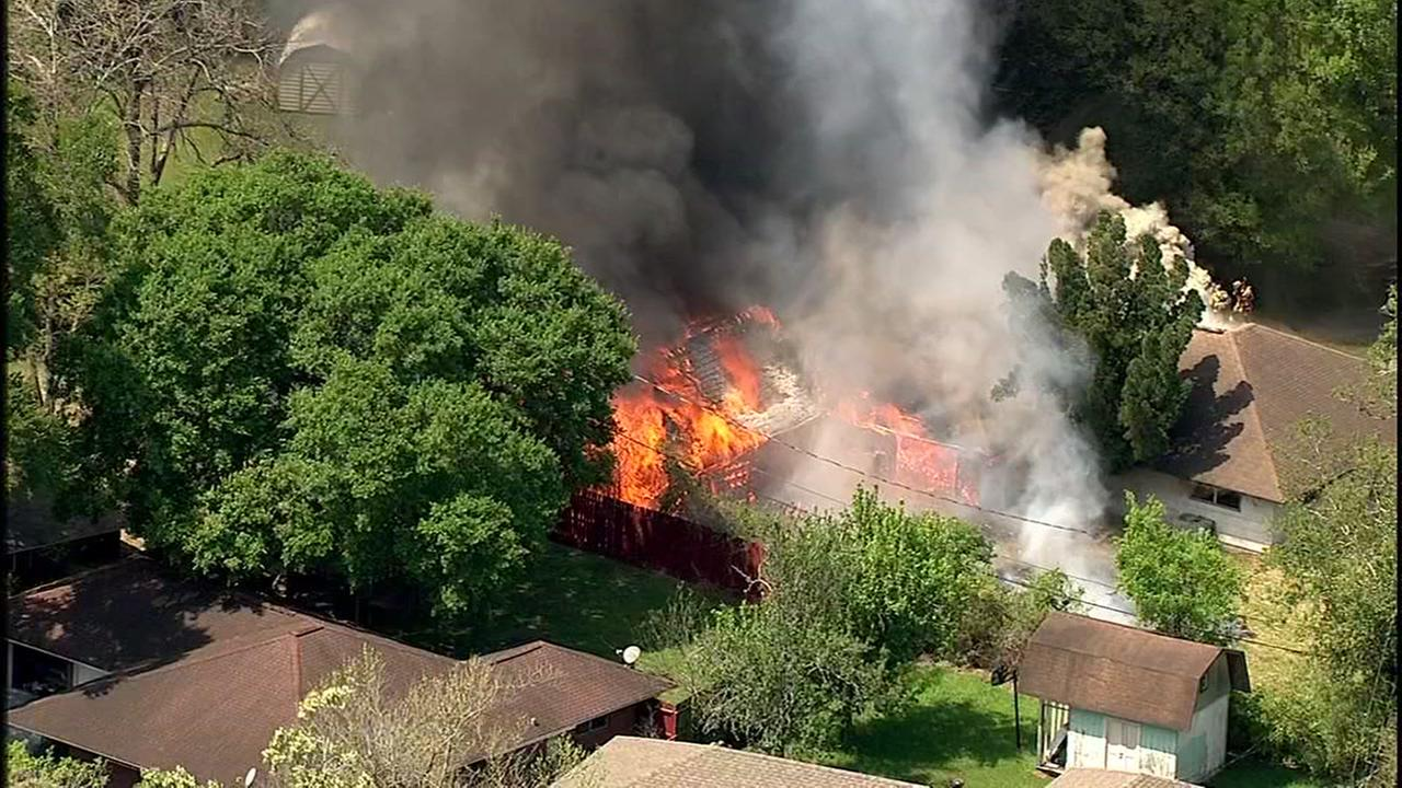 SkyEye13 captures house fire in southeast Houston