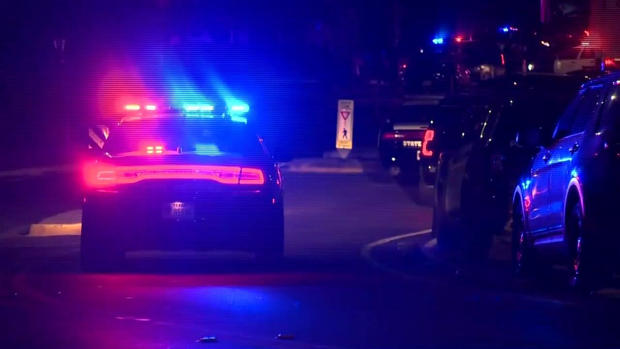 2 Austin officers injured after deadly standoff