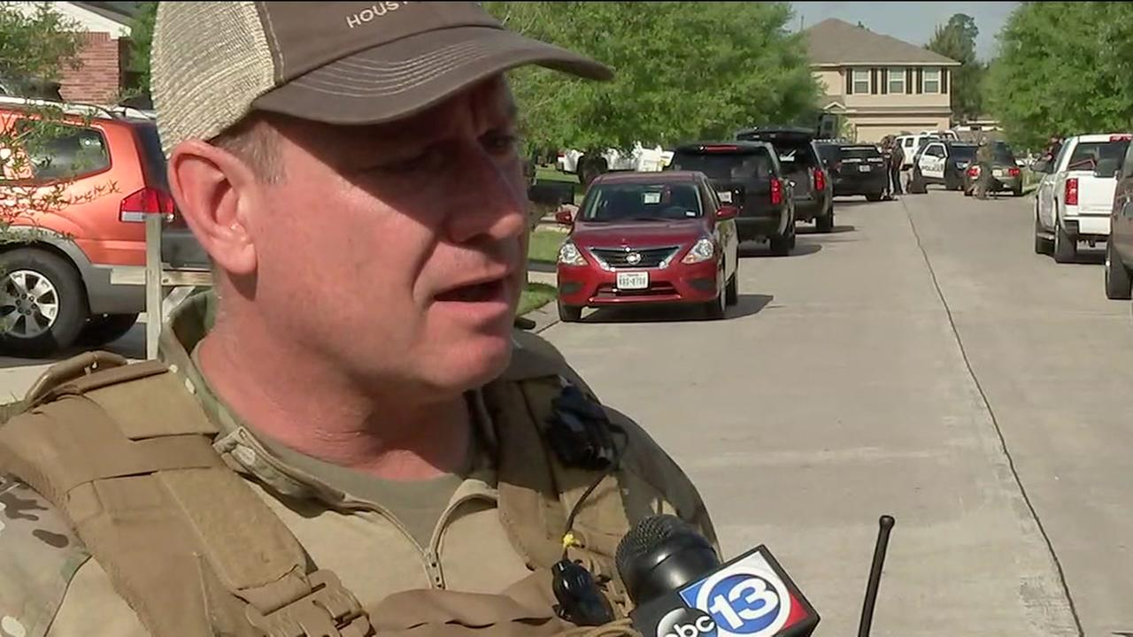 Man surrenders peacefully to SWAT after barricading himself in home for hours