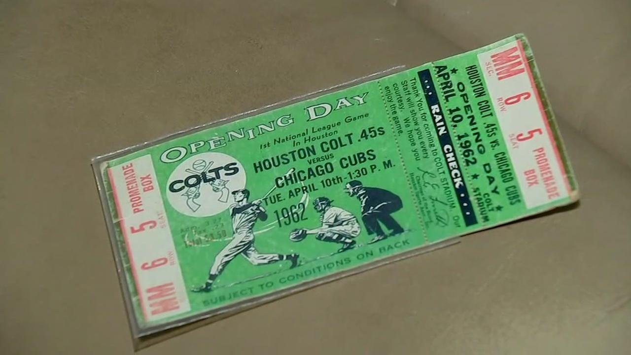How much money does Astros memorabilia fetch? Collector weighs in