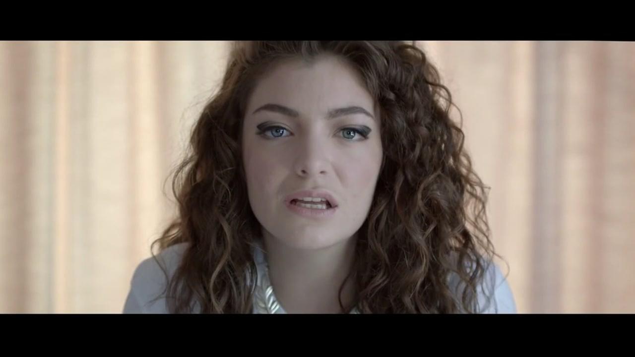 Lorde apologizes for Whitney Houston bathtub Instagram post