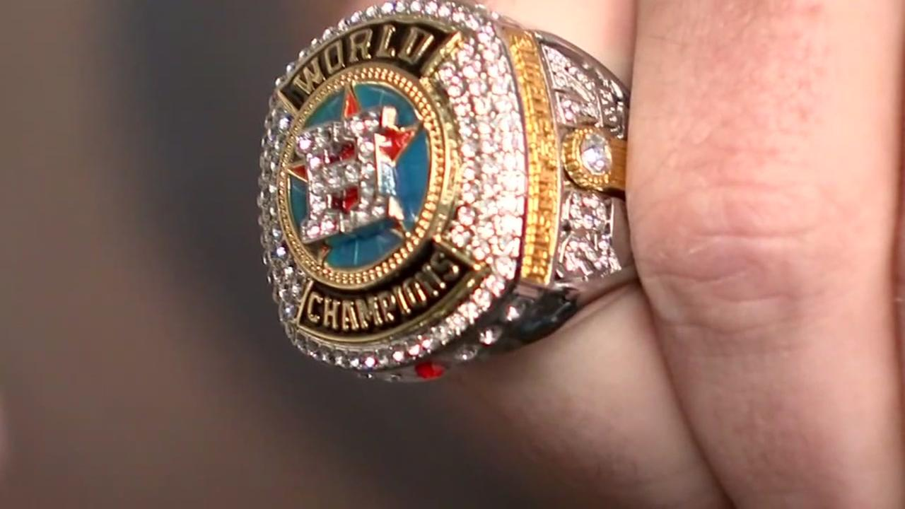 Fans receive replica championship rings