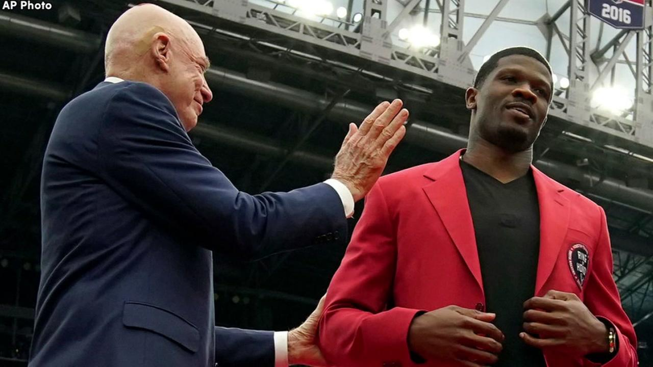 Former Texans WR Andre Johnson almost skipped his Ring of Honor ceremony