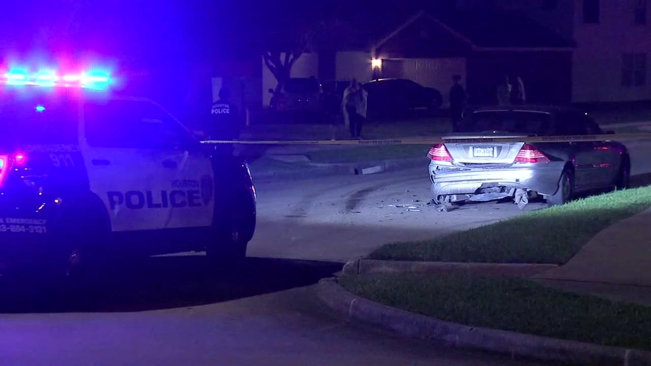 Man shot in face during attempted carjacking