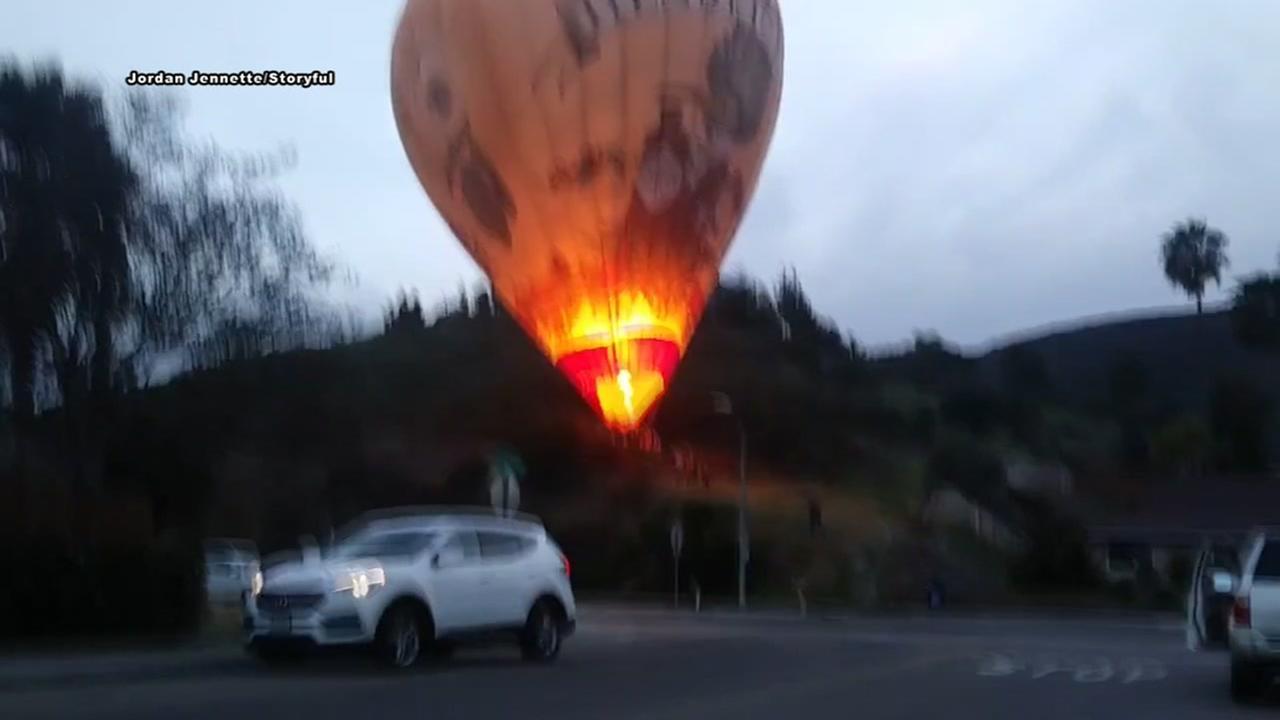 Hot air balloon makes emergency landing in Phoenix