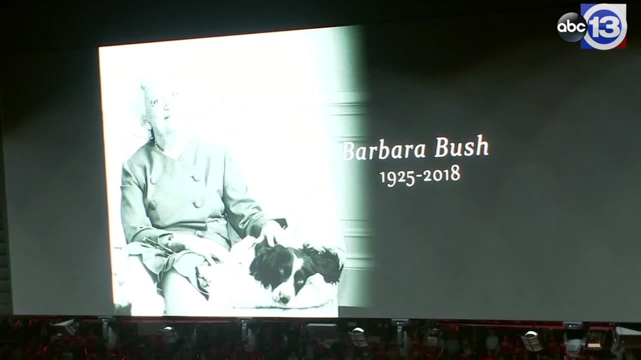 Barbara Bush honored with moment of silence before Rockets playoff game
