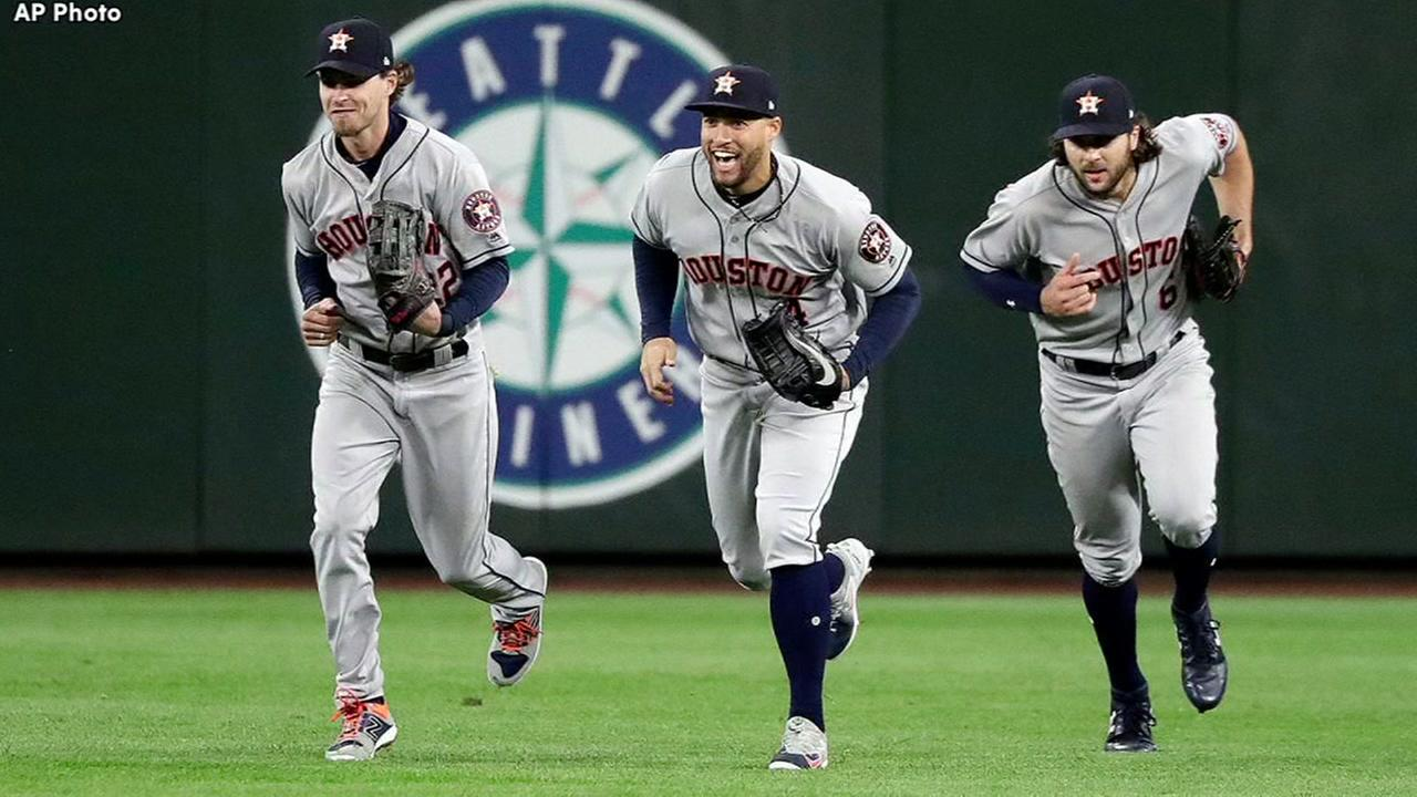 Astros big seventh inning helps Houston bury Seattle