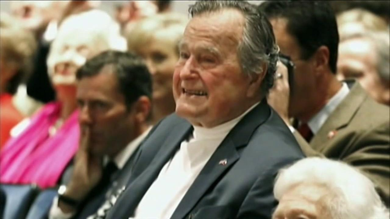 George HW Bush gets support from Houstonians after latest health issue