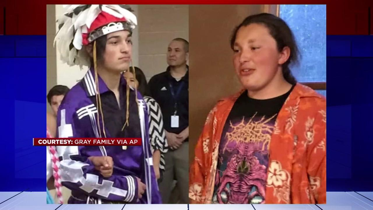 Mom on college tour calls police on Native American brothers