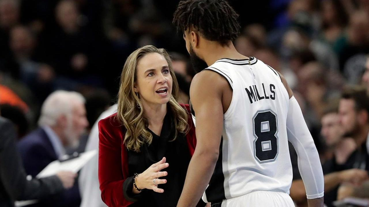 Spurs Becky Hammon plans to interview with Bucks for head coaching job