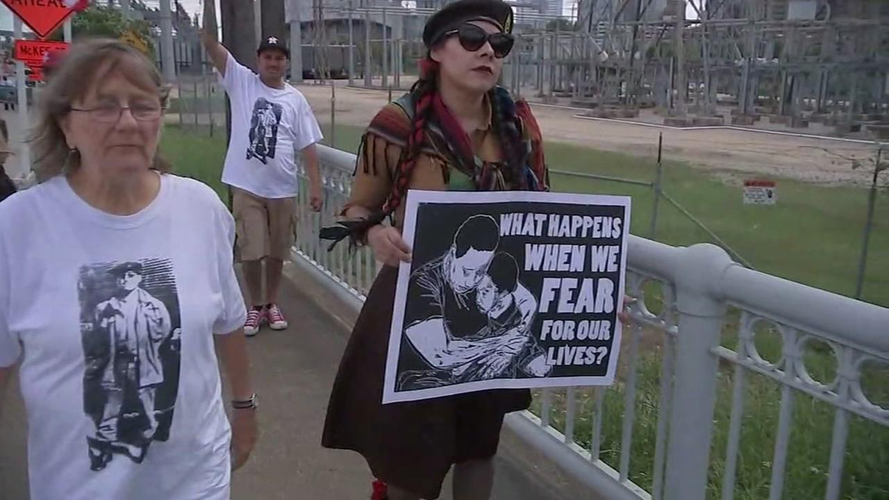 Solidarity walk honors memory of man killed by HPD officers on Cinco de Mayo