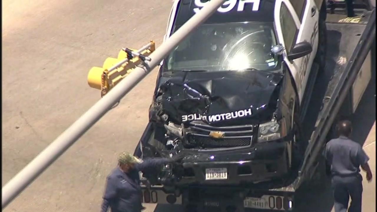 Suspect arrested after chase ends in crash with HPD officer and civilian injured