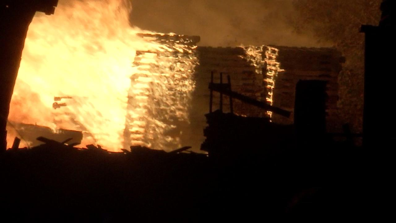 Pallet fire seen for miles in NW Harris Co.
