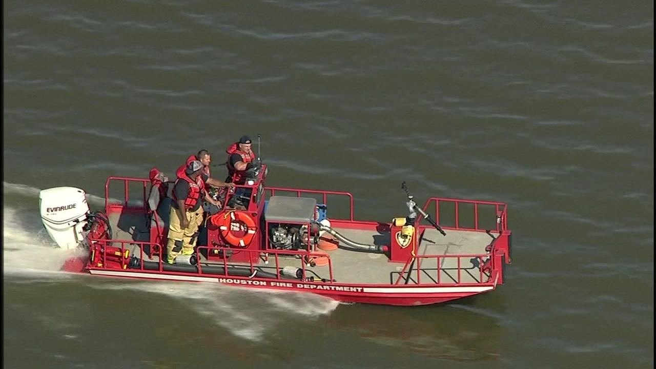 Search on on Lake Houston for reported plane down