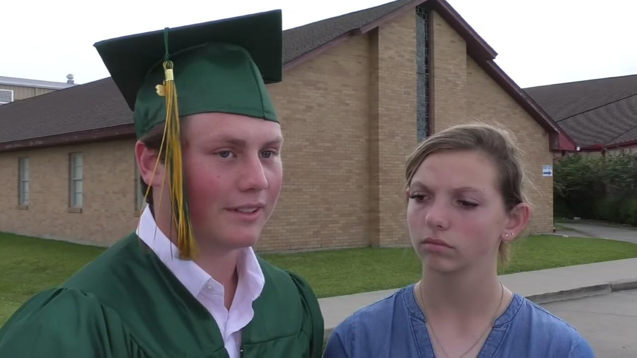 Santa Fe students escape