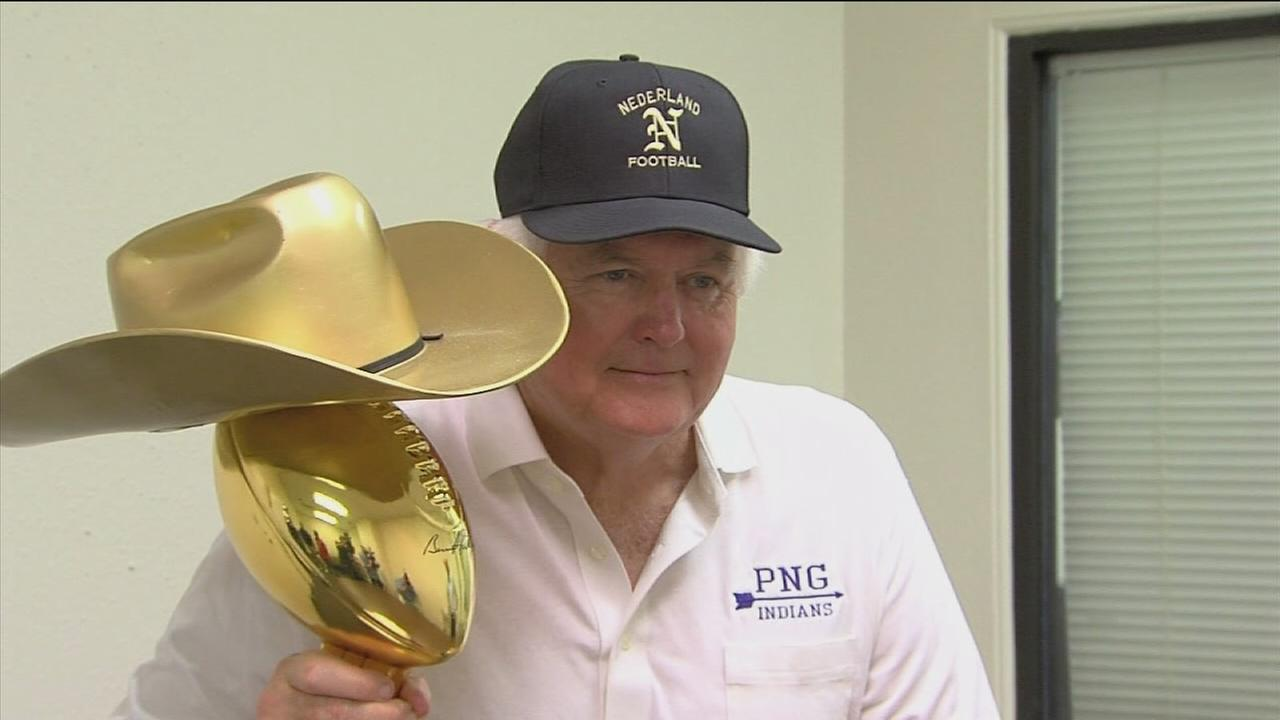 Wade Phillips to present Bum Phillips trophy