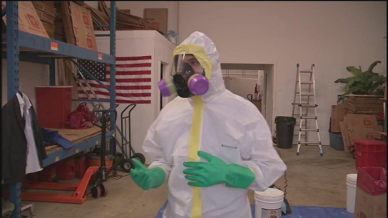 How to decontaminate areas exposed to Ebola
